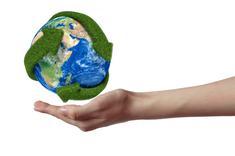 Globe terrestre avec de l'herbe